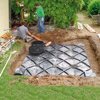 Regenwassertank flach Einbau im Garten