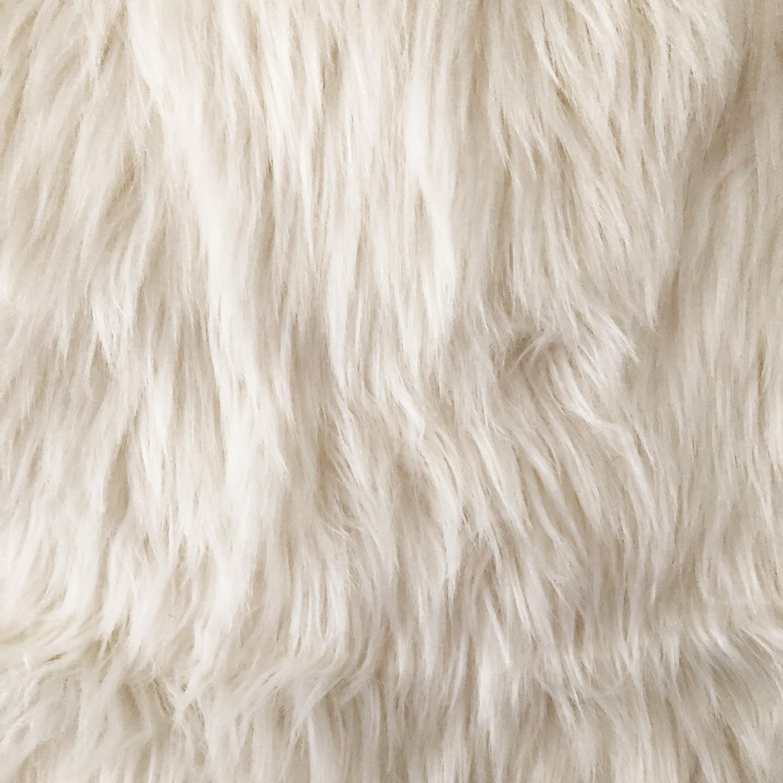 xl schafsfell dekofell kunstfell fellimitat teppich bettvorleger wei b60xl90cm ebay. Black Bedroom Furniture Sets. Home Design Ideas