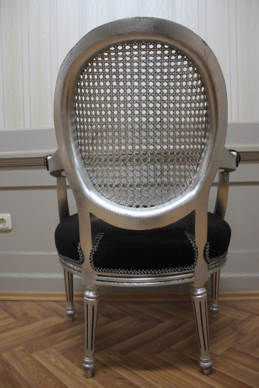 silla de comedor antiguo, barroco, el impacto de madera plateada de  terciopelo negro MkCh0081