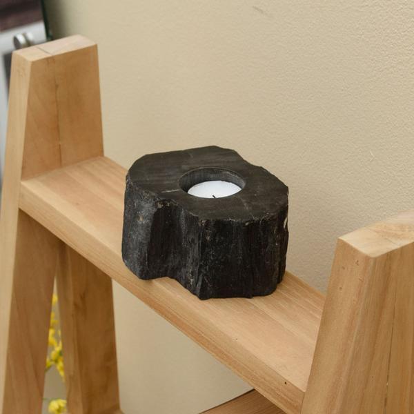 Kerzenständer fossiles Holz 12x12x7 cm schwarz