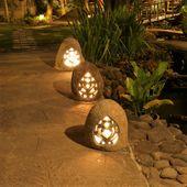 WOHNFREUDEN Naturstein Flussstein Gartenlampe 30x26x39 cm Liebes-Ornament 4