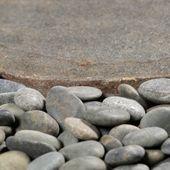 WOHNFREUDEN 2er Pack Naturstein Fluss-stein Tritt-Stein Gehweg-platte ca. 40 cm geschliffen
