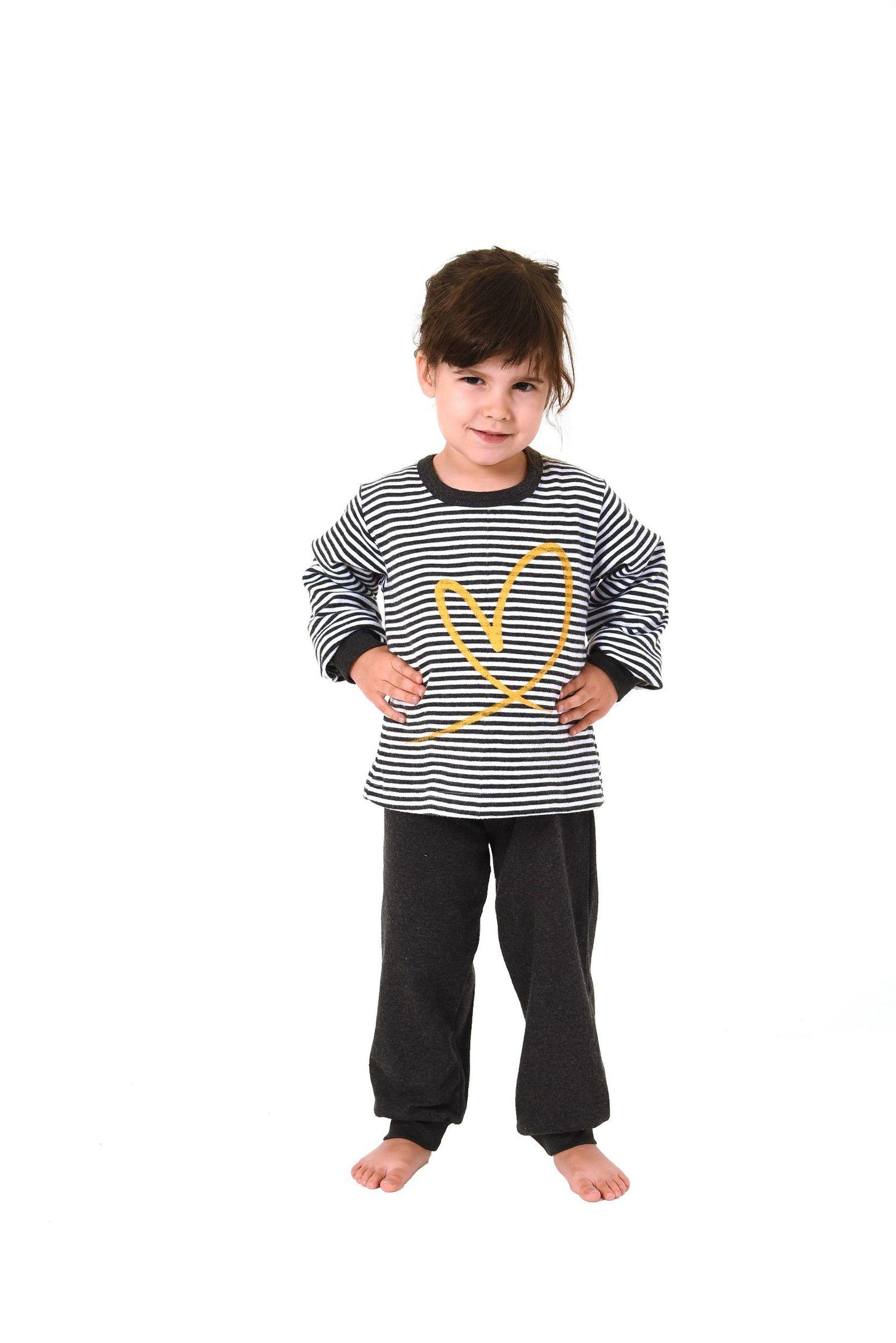 Kinder Mädchen Pyjama langarm mit Bündchen – kuschelig warm und mit Herz Motiv  – Bild 2