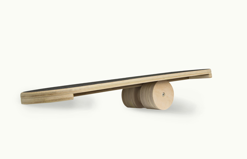 Balance Bord aus Holz – mit Rolle