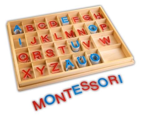Bewegliches Alphabet - Großbuchstaben im Holzkasten