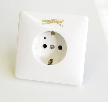 Groneberg® Schutzkontakt Wandsteckdose Weiß