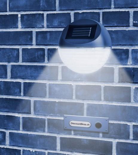 LED Solarleuchte mit Wandhalterung