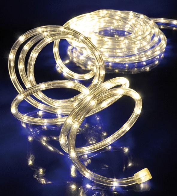 Warmweiss leuchtender LED LICHTSCHLAUCH für den Aussenbereich 6m