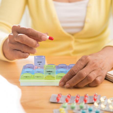 Tablettenbox PILLENBOX Wochenbox 7 Tage 3 Fächer – Medikamentenorganizer für eine Woche – Bild 3