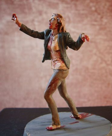 Zombie - Screaming female 1/35 (54mm) – Bild 1