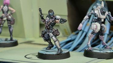 ALEPH Acmon, Sergeant of Dactyls 2 Breaker Pistols