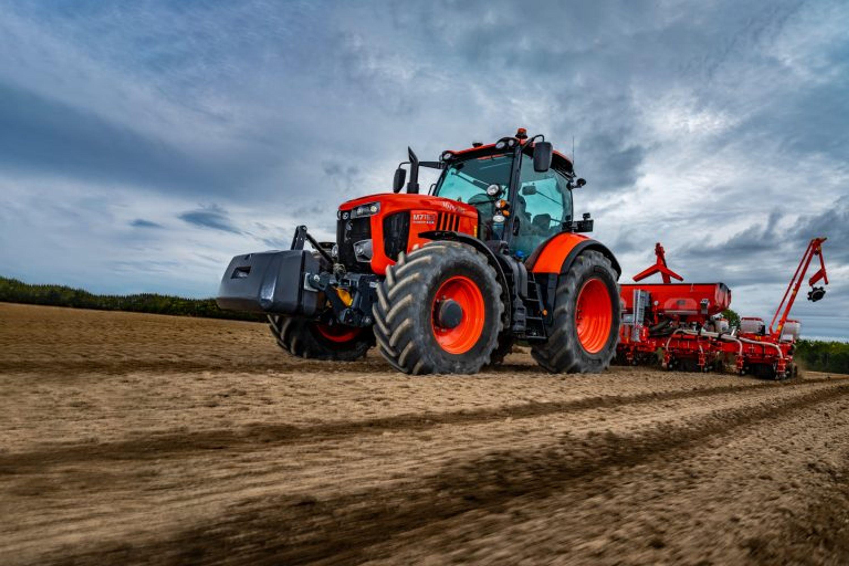 Kubota Traktor M7003