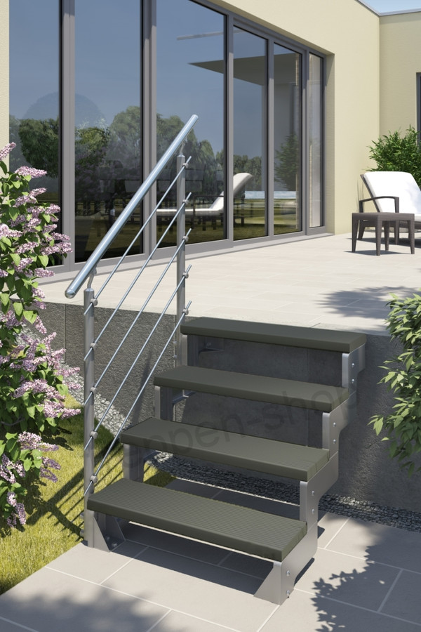 Außentreppe Gardentop mit Prova Geländer und Trimaxstufen anthrazit