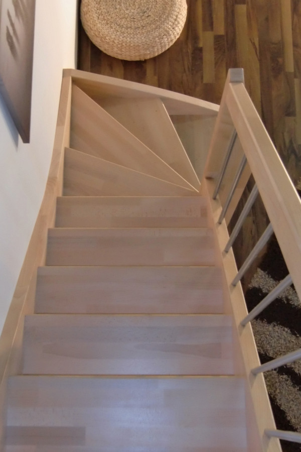 Treppe nach Maß 1/4 gewendelt links unten – Bild 3