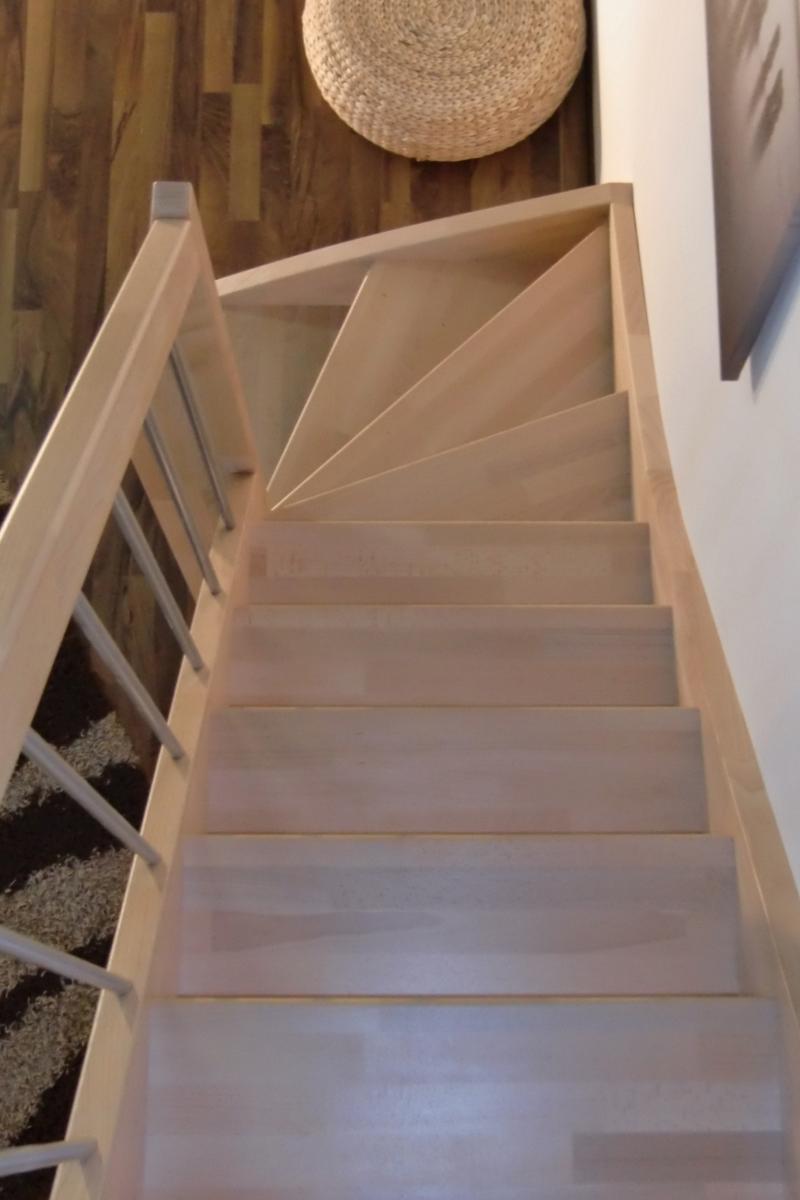 Treppe nach Maß 1/4 gewendelt rechts unten – Bild 3
