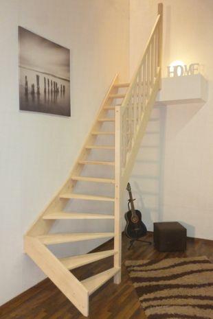 Treppe Alexander - Fichte - 1/4 unten rechts gewendelt 001