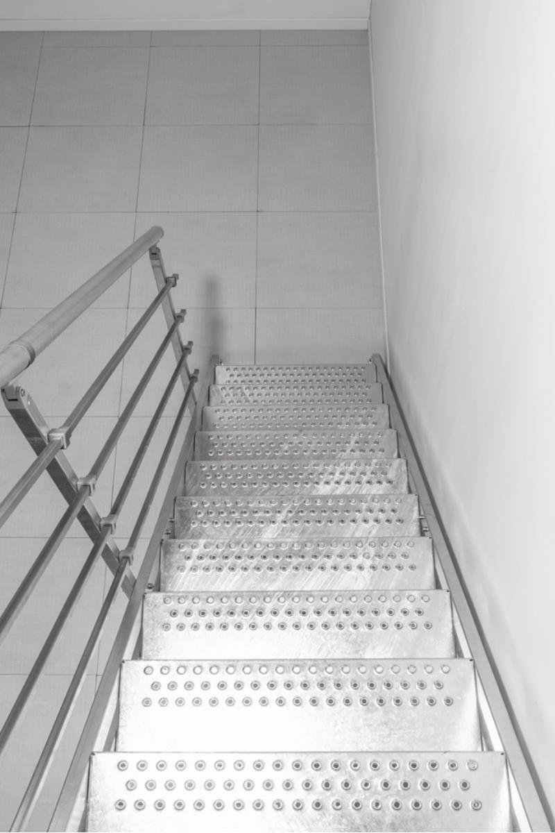 Außentreppe Stahlwangentreppe POP verzinkt – Bild 4