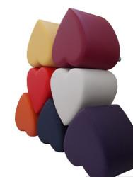 Sitzhocker - Sitzwürfel Herzform Rot mit Aluminium Gleiter