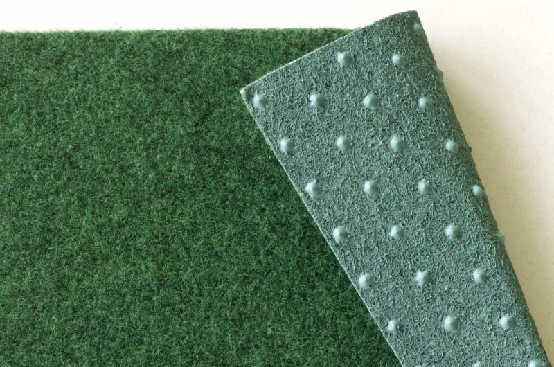 Teppich für balkon  Kunstrasen Rasenteppich mit Noppen z.B. als Balkon Teppich grün ...