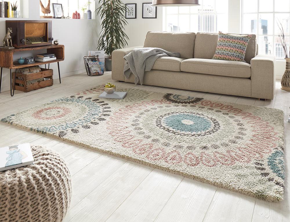 design velours teppich hochflor globe creme teppich boss. Black Bedroom Furniture Sets. Home Design Ideas