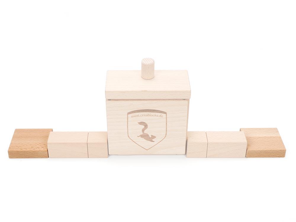 Je 2 Quader flach und breit seitlich an die Anschlussquader setzen