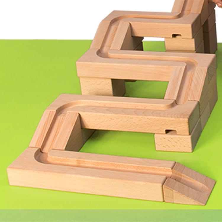 Holzbausteine Kugelbahn