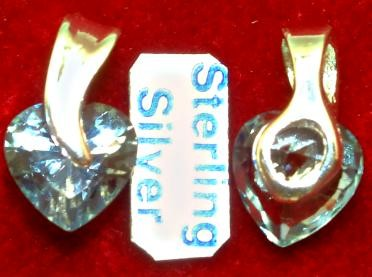Himmelblaues schwebendes Zirkonia-Herz aus echtem 925er Silber