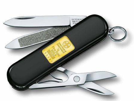 Victorinox Classic mit Goldbarren