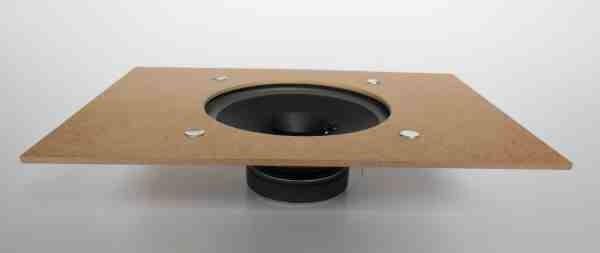 Universal Lautsprecher auf Schallwand 22x15,5 cm