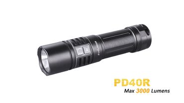 Fenix Taschenlampe PD40R Cree XHP70 LED