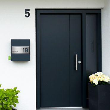 MOCAVI Box 141R  Briefkasten mit Name und Hausnummer graviert V4A-Edelstahl / anthrazit RAL 7016 Zeitungsfach inkl. Gravur – Bild 5