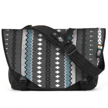 Acaat Messenger Bag - Viva con Agua X Ethnotek Collection