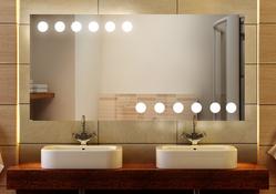 Design Badezimmerspiegel mit Beleuchtung - mit rückseitig satinierten Neon- Beleuchtungsfeldern, Fertigung nach Maß ab 40x40cm.