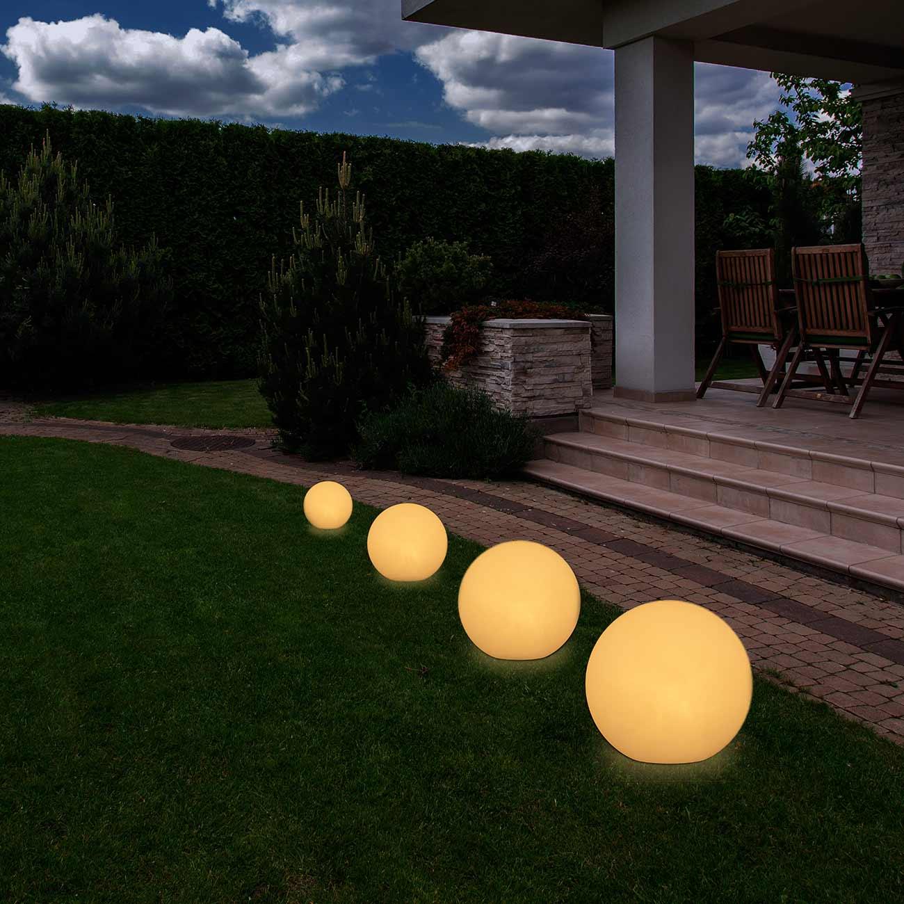 lampe de jardin boule d corative ronde lumineuse ext rieur. Black Bedroom Furniture Sets. Home Design Ideas