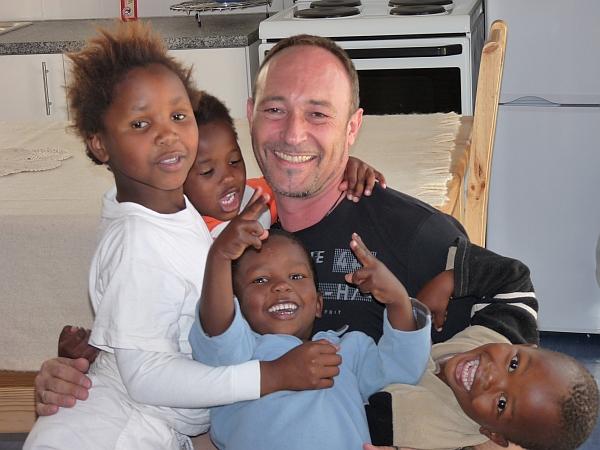 Fröhliche Kinder in Khayelitsha