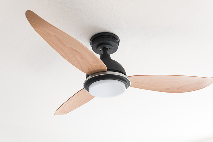 Low Energy Ceiling Fan Bayu with 3-in-1 LED and Remote