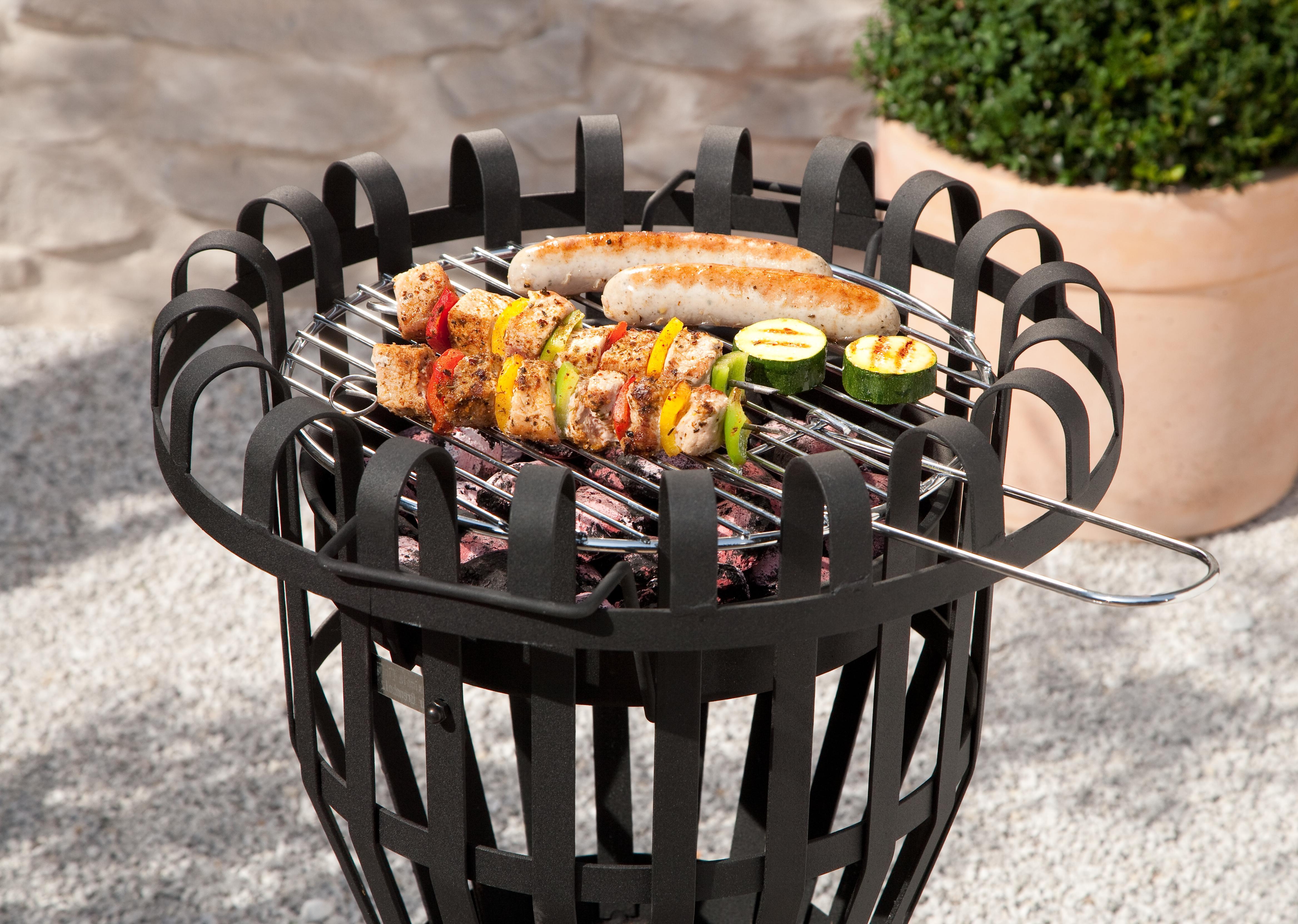 grill feuerkorb kohlebecken und grillrost feuerstelle. Black Bedroom Furniture Sets. Home Design Ideas