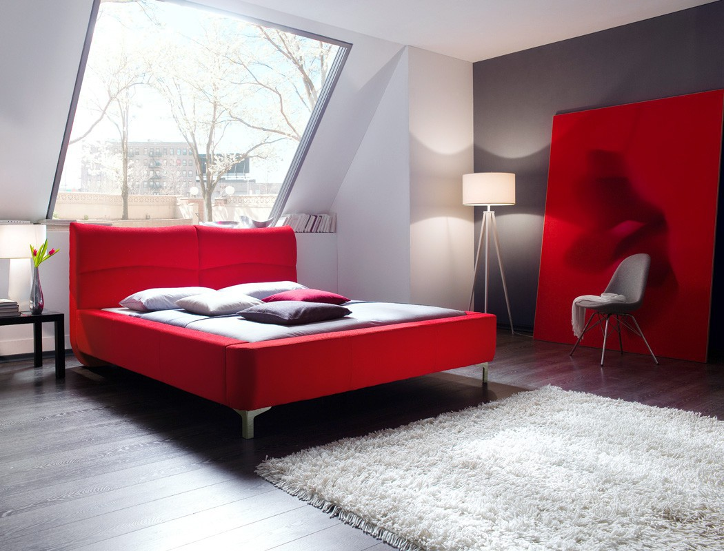 polsterbett cloude bett 160x200 cm rot mit lattenrost matratze wohnbereiche schlafzimmer betten. Black Bedroom Furniture Sets. Home Design Ideas