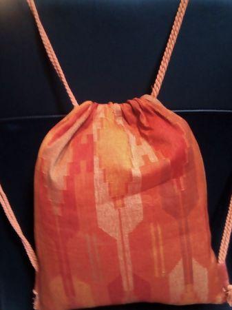 Turnbeutel-Rucksack robuster Dhakastoff braun-orange – Bild 3