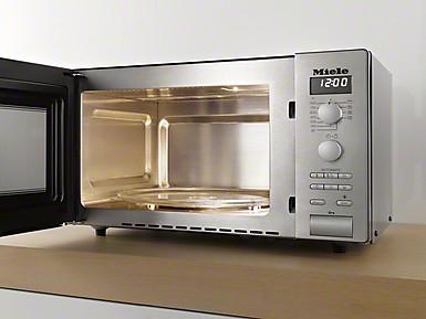 Miele Stand-Mikrowellengerät M 6012 SC