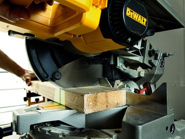 DeWALT D27113 Tischsäge Kappsäge Gehrungssäge Paneelsäge XPS 1600W Ø 305 mm – Bild 7