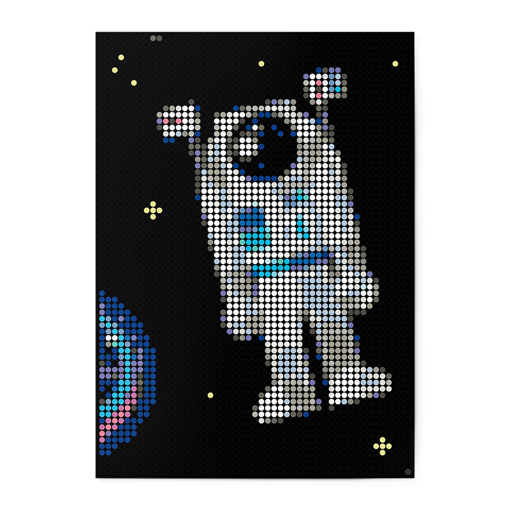 dot on art space | astronaut – Bild 1