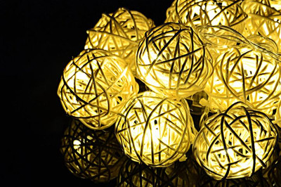 10 LED Lichterkette Ball in Rattanoptik Rattan Lichterkette warmweiss Batterie – Bild 2