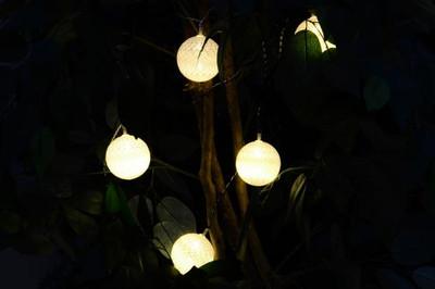 20 LED Lichterkette Kugel-Lichterkette mit Flechtdesign warmweiss Trafo Xmas – Bild 4