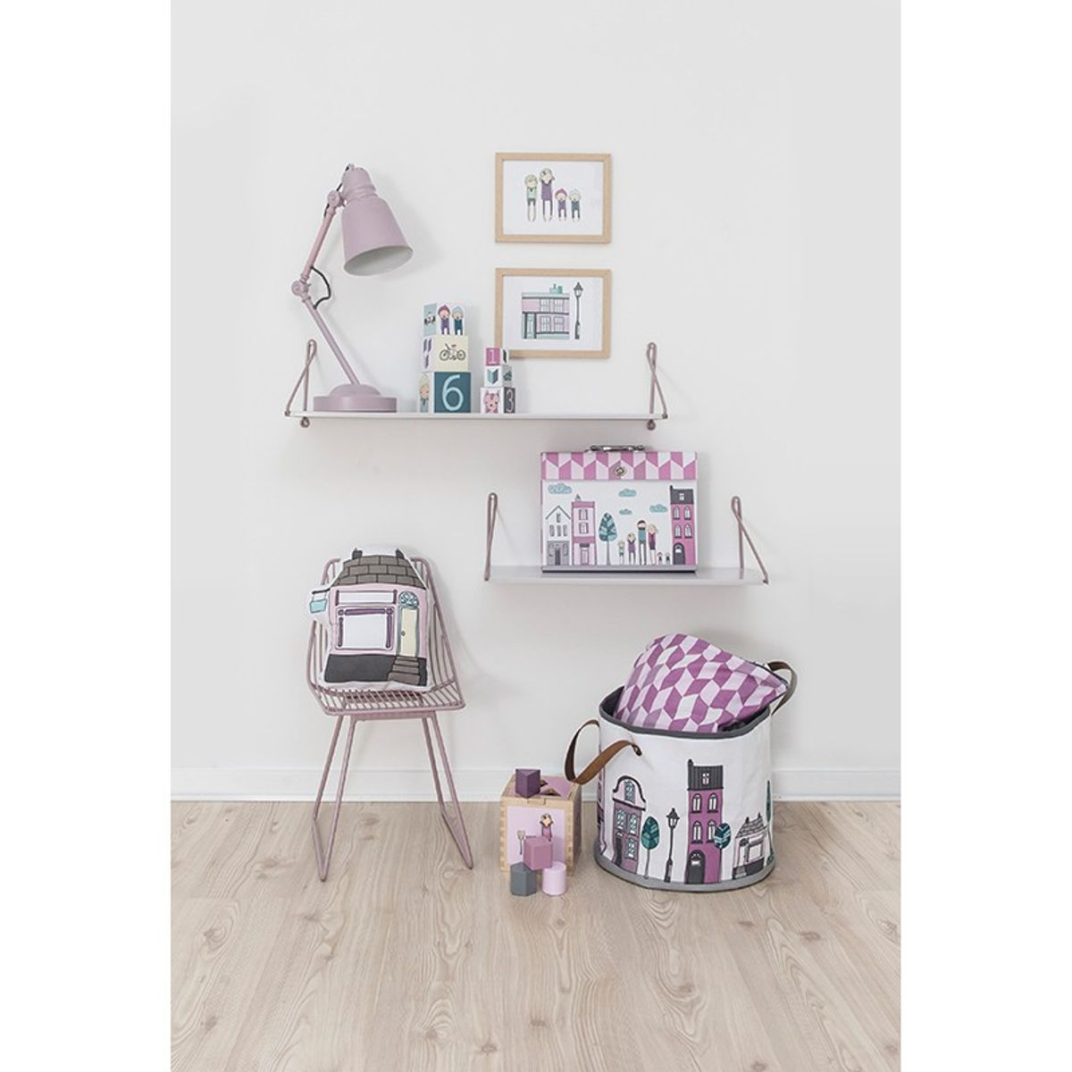 aufbewahrung kinderzimmer spielzeugtasche village girl. Black Bedroom Furniture Sets. Home Design Ideas