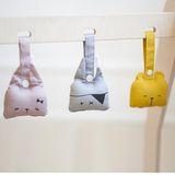 Babyspielzeug Rassel,  Katze , grau, aus Bio Baumwolle, 10 cm, von Fabelab
