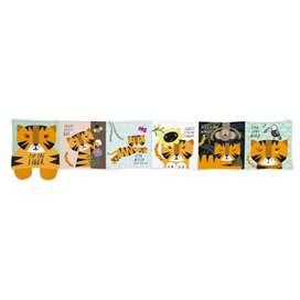 Kontrastreiches Baby Soft Buch  Tip Toe Tiger , mit Tiermotiven, von wee gallery