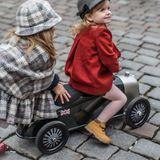 Nostalgisches luxuriöses Rutschauto  Rider , Heritage Bentley, aus Metall, Lederdetails, von Baghera