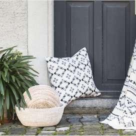 Kissenhülle aus Baumwolle,  Silvretta Rauten , 50 x 50 cm, von David Fussenegger