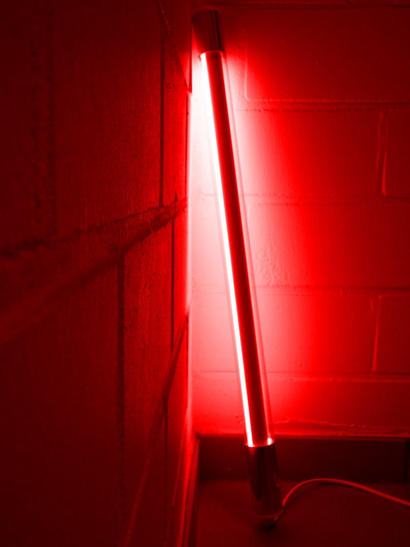 Led Leuchtstab mit Blendschutz KS mit Schalter weiß 230V Party 60cm rot IP20